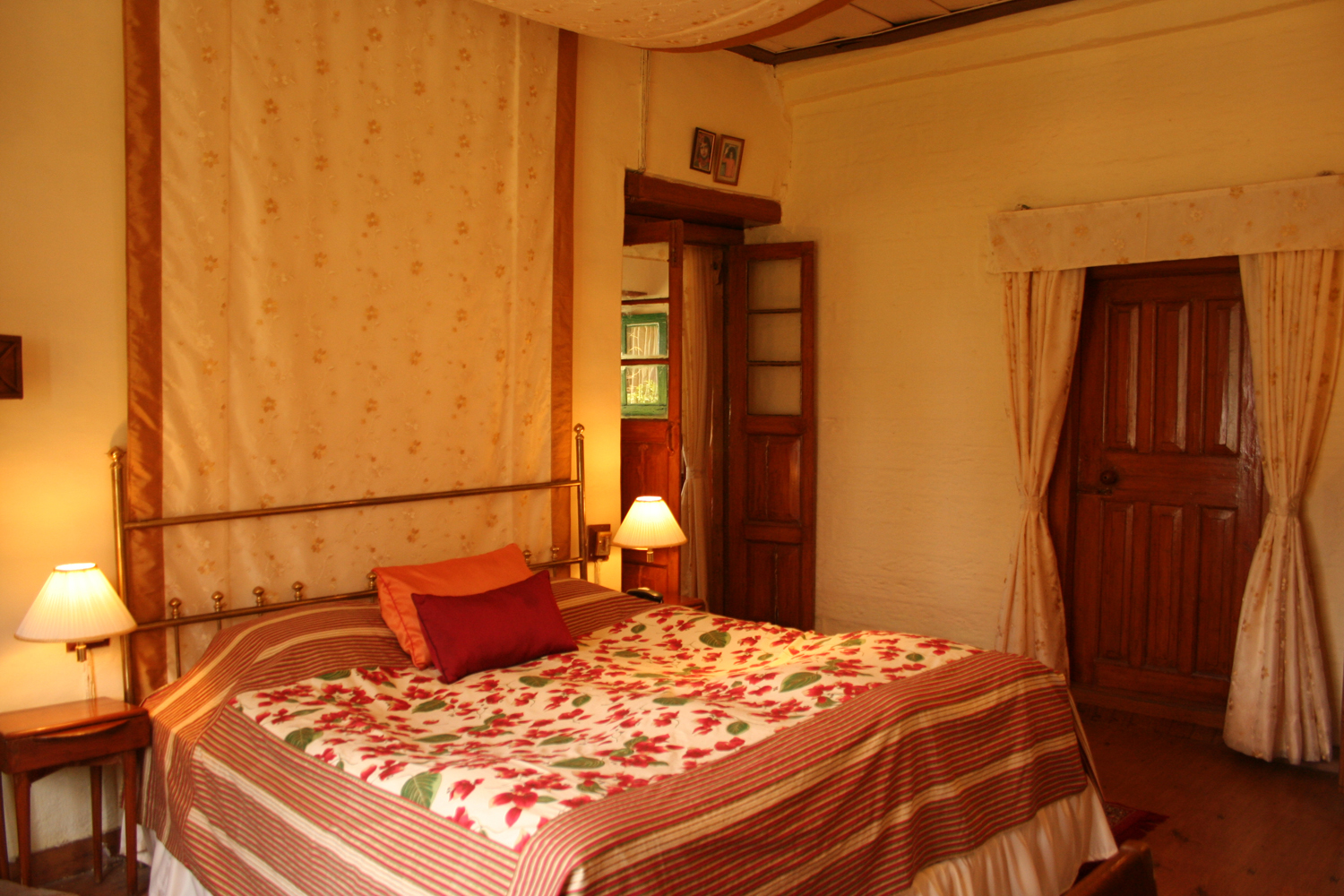 West View Hotel –Ranikhet Ranikhet Luxury Suite 4 West View Hotel Ranikhet